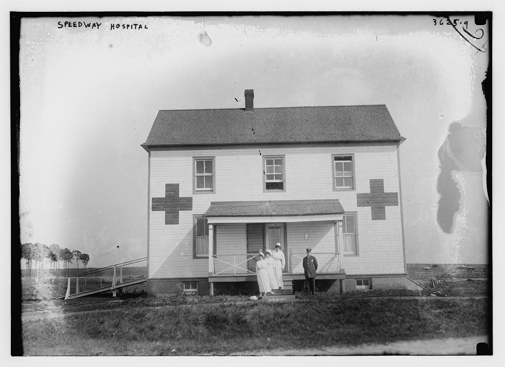 Stará fotografie záchranné stanice